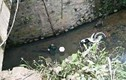 Thấy xe máy chìm dưới suối, người dân hoảng hồn thấy thi thể người bên cạnh