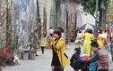 Trời tạnh ráo, người Hà Nội đổ ra đường chơi Tết, chụp ảnh