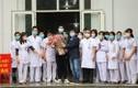 """Bệnh nhân thứ 18 xuất viện: Niềm vui của những """"chiến sỹ"""" tuyến đầu"""
