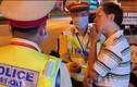 Cán bộ thuế ở Quảng Bình say rượu thách thức CSGT