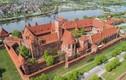 Khám phá bí mật lâu đài xây bằng gạch lớn nhất thế giới