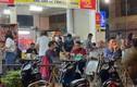 Nhiều quán nhậu ở Hà Nội thách thức lệnh giãn cách, khách tấp nập