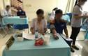 Nhân viên tạp vụ thành cán bộ y tế khám bệnh cho người lao động?