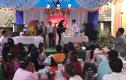 Mời bố uống rượu không được, chàng trai biến đám cưới thành chiến trường
