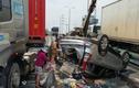 Video: Ớn lạnh hiện trường xe 7 chỗ bị tông bẹp, nhiều người la hét kêu cứu