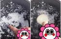 Công dụng thần kỳ của những chấm tròn trên muôi xới cơm