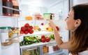 Mách chị em 4 bước vệ sinh tủ lạnh ngày Tết cực nhanh cực nhàn
