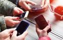 5 thói quen sử dụng điện thoại tưởng vô hại nhưng lại phá hủy sức khỏe khủng khiếp