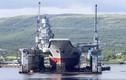Bị cần cẩu 70 tấn đè, tàu sân bay Nga thủng boong tàu