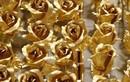 """Hoa hồng dát vàng """"đắt hàng"""" dịp Valentine 2013"""