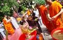 Tắm Phật gột rửa thân tâm phiền não