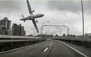 Cận cảnh máy bay Đài Loan trước khi rơi xuống sông
