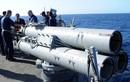 """Chỉ muốn răn đe, nhưng tàu chiến Mỹ vẫn có thừa vũ khí để """"xử đẹp"""" tàu Iran"""