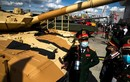 Đoàn Việt Nam quan sát xe tăng T-90MS tại Army 2020