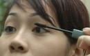 Mắt nhiễm trùng vì dùng mascara