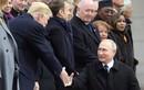 Bất ngờ khoảnh khắc thân thiết của Tổng thống Putin-Trump tại Paris