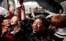 Ảnh: Người dân Nhật Bản ăn mừng đất nước sang triều đại mới
