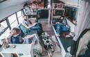 Chán ở nhà đẹp, cả gia đình chuyển vào xe buýt sống