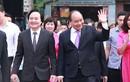Ảnh: Thủ tướng dự khai giảng với học sinh khiếm thị