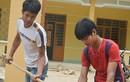 Hai chàng trai Cơ Tu hiến đất xây trường học cho trẻ em nghèo