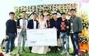 Hội bạn thân tặng chú rể Bắc Giang phong bì mừng cưới khổng lồ