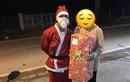 Ông già Noel số nhọ nhất: Ship quà cho người yêu cũ do người yêu mới đặt