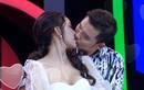 """Hoa khôi Thanh lịch """"khóa môi"""" trai lạ trong gameshow gây bão mạng là ai?"""