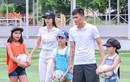 Thủy Tiên đưa học trò đi đá bóng cùng Công Vinh