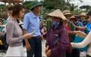 Thủy Tiên cứu trợ dân Lệ Thủy, Công Vinh than trời quê nhà ngập