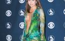 Bắt chước Jennifer Lopez, sao Hollywood lăng xê mẫu váy xẻ ngực sâu... tận bụng