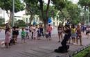 Cấm chơi đàn violin trên phố đi bộ: Báo cáo gây sốc