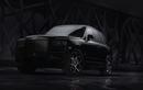 """Ra mắt """"vua bóng đêm"""" - Rolls-Royce Cullinan Black Badge"""