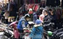 Quần áo ấm giá rẻ đổ tràn vỉa hè Hà Nội những ngày giá rét
