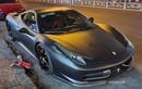 """Cận cảnh """"hắc mã"""" Ferrari 458 Italia trên phố Sài Gòn"""