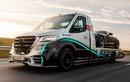 """Mercedes-Benz Sprinte bán tải """"khủng long"""", bán ra hơn 3,4 tỷ đồng"""