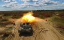 """Ukraine kéo xe tăng """"cây nhà lá vườn"""" tới biên giới phe ly khai"""
