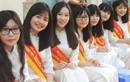 Nữ sinh Việt mặc áo dài được mạng Trung Quốc ca ngợi