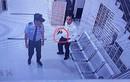 Dùng súng giả dọa bảo vệ: Phó Chủ tịch Đèo Cả có dính tội đe dọa giết người?