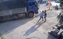Video: Bàng hoàng cảnh 2 tài xế đuổi chém nhau trên quốc lộ