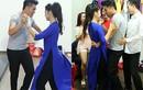 Lê Phương và tình trẻ say sưa nhảy múa ở hậu trường
