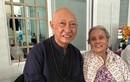 Người hâm mộ hơn 70 tuổi vượt đường xa thăm nghệ sĩ Lê Bình