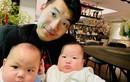 Ngắm cặp quý tử sinh đôi đáng yêu vô đối nhà Trương Nam Thành