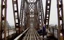Cầu Long Biên đang được sửa chữa như thế nào?