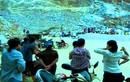 Hàng trăm mét khối đất đá vùi lấp 2 công nhân