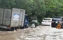 Hà Nội mưa lớn, đường lênh láng nước, Đại lộ Thăng Long ùn ứ
