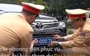 Video: Gắn biển số mới cho dàn xe phục vụ Đại hội Đảng
