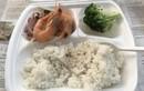 Bữa ăn bị tố cắt xén trong KCL Quảng Ninh: Đúng xử sao?