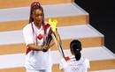 VĐV thắp đài lửa Olympic Tokyo quyến rũ trên tạp chí áo tắm