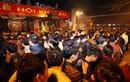 Huy động 2.000 người, dựng lưới B40 bảo vệ lễ khai ấn đền Trần