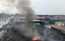 Cháy chợ Gạo ở Hưng Yên: Tiểu thương vội dựng cột, giữ chỗ kinh doanh